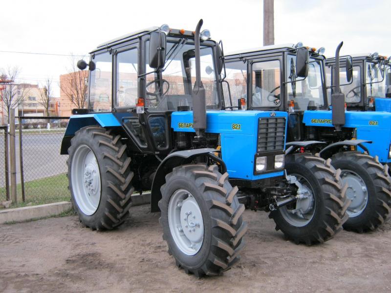 трактор для посадки
